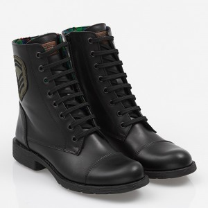 Women boot with laces Black