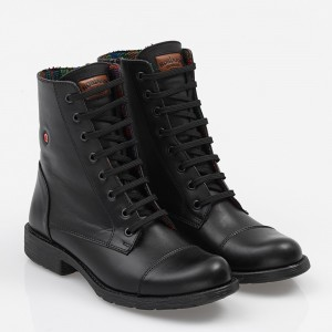 Women biker boot with laces